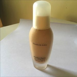 Other - Elizabeth Arden foundation warm bronze New